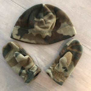 Other - Camo Beenie And Mittens